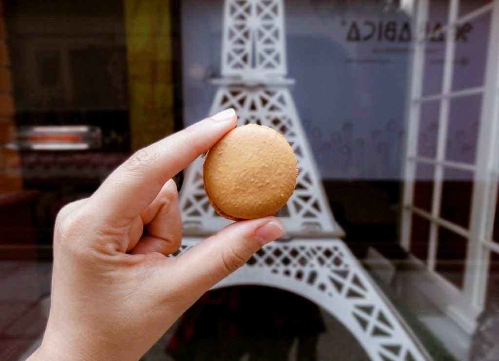 Macarons comer en París guía de viaje