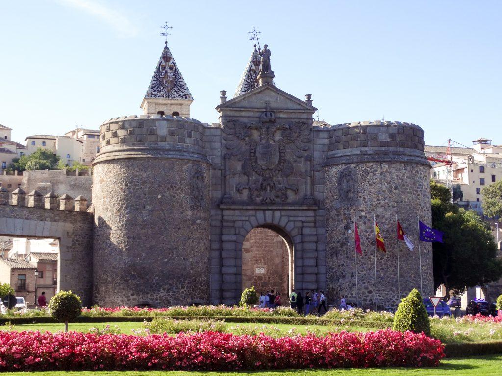 Puerta de la Nueva Bisagra escapada a Toledo