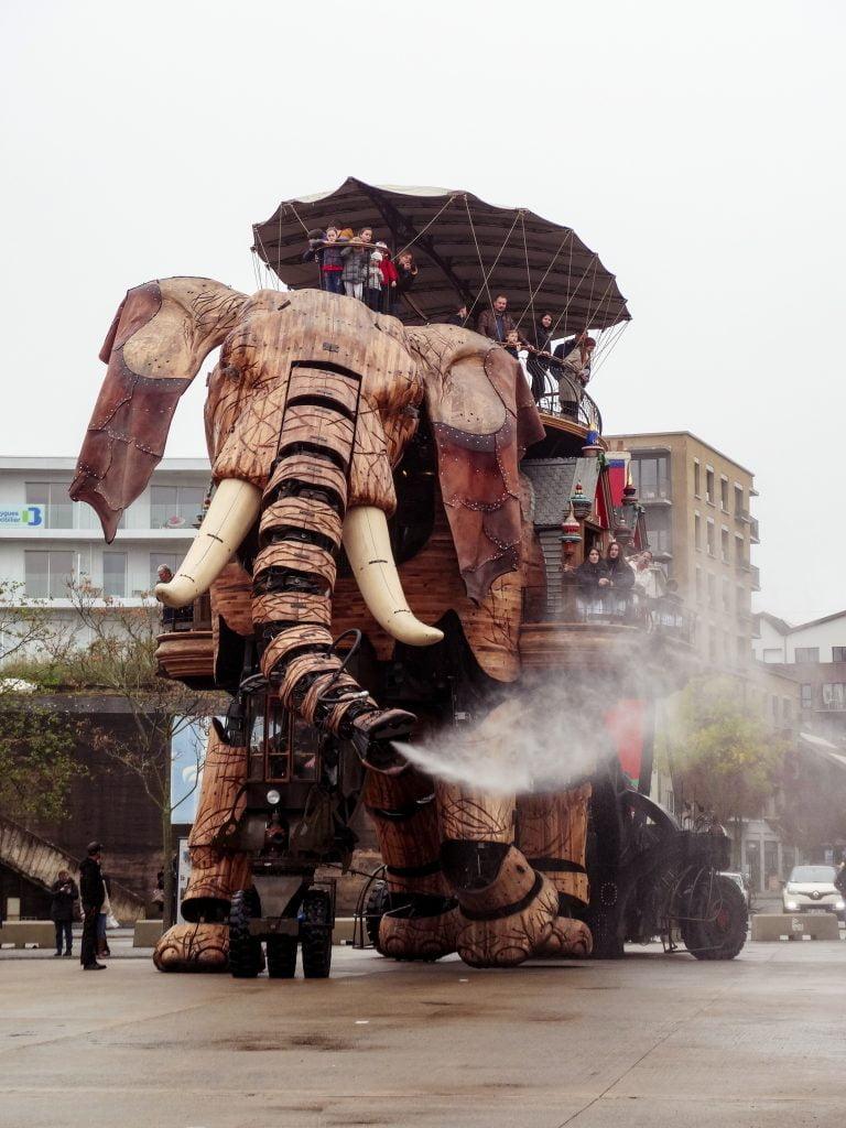 Le Grand Elephant Nantes que ver