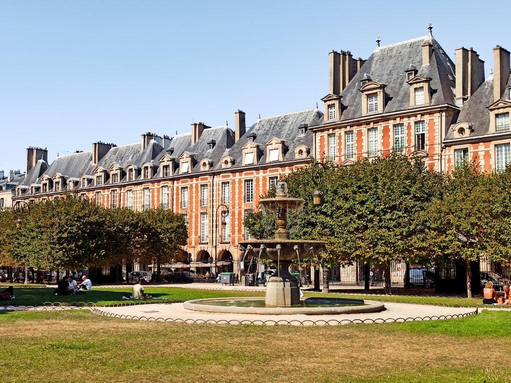 Place des Vosges París Distrito IV