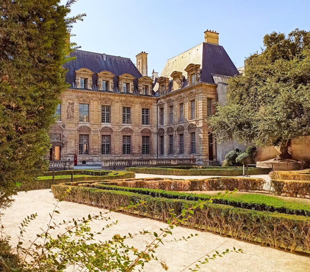 Hôtel de Sully, París Distrito IV