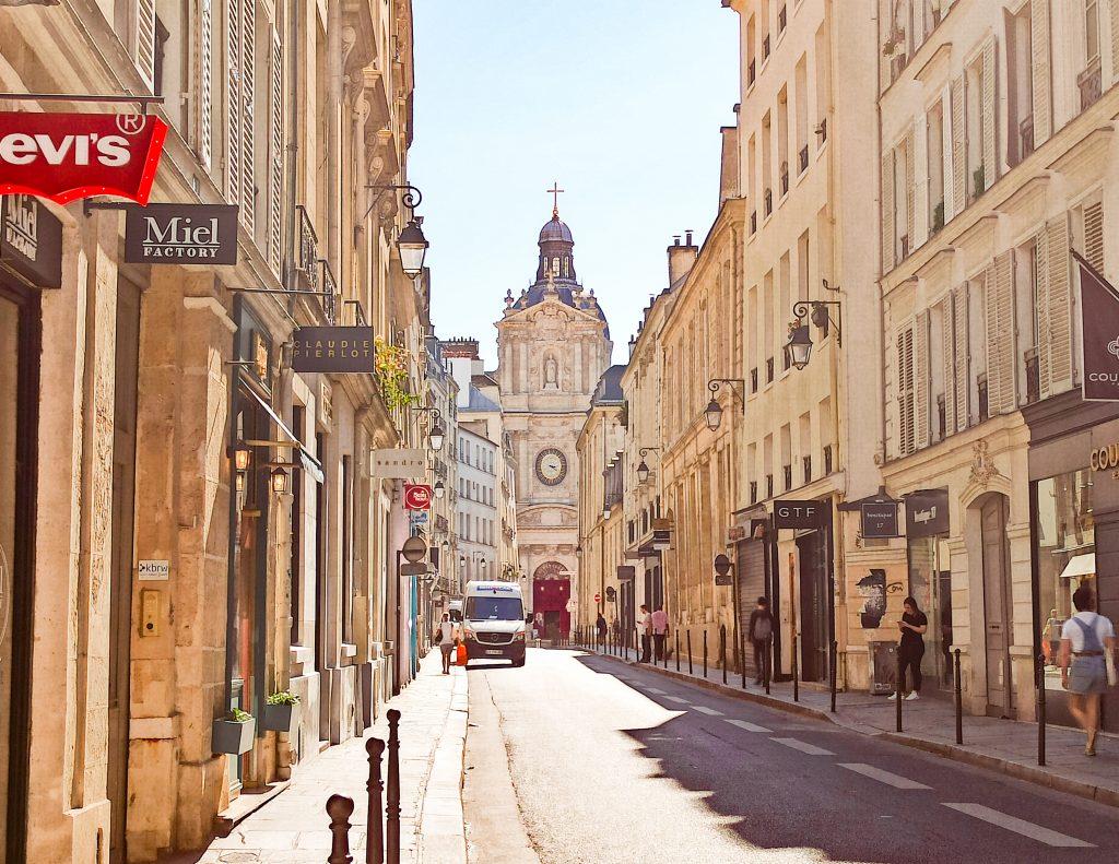 Rue de Sevigne París