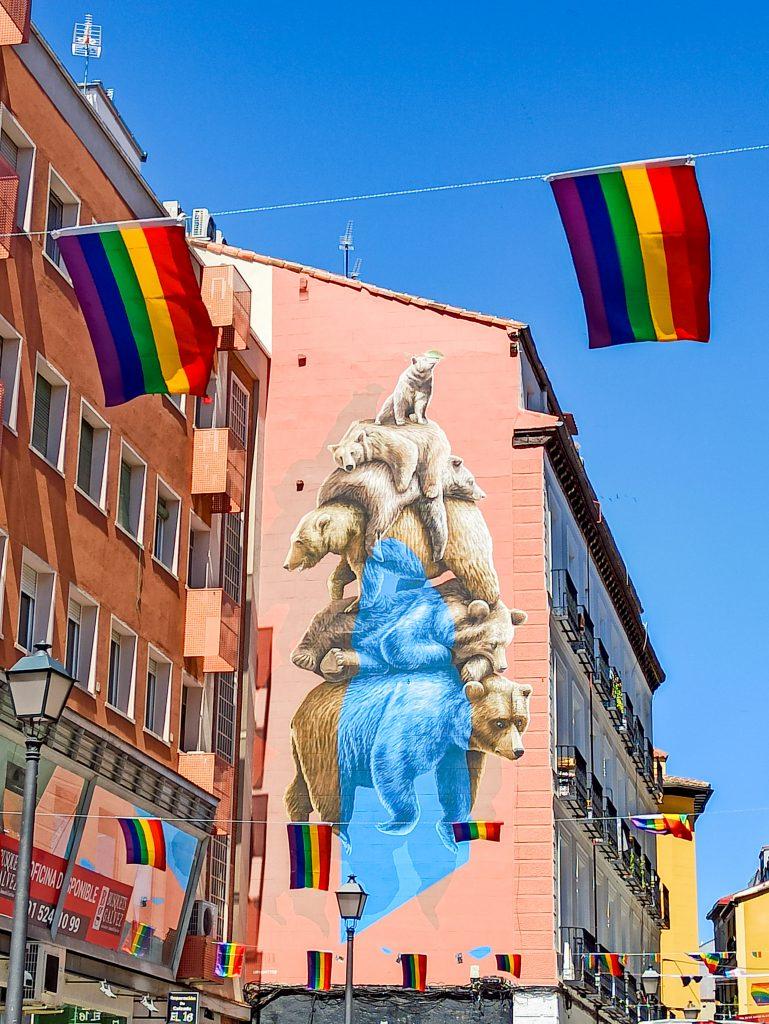 Mural osos Chueca, Orgullo LGBT 2021 Madrid