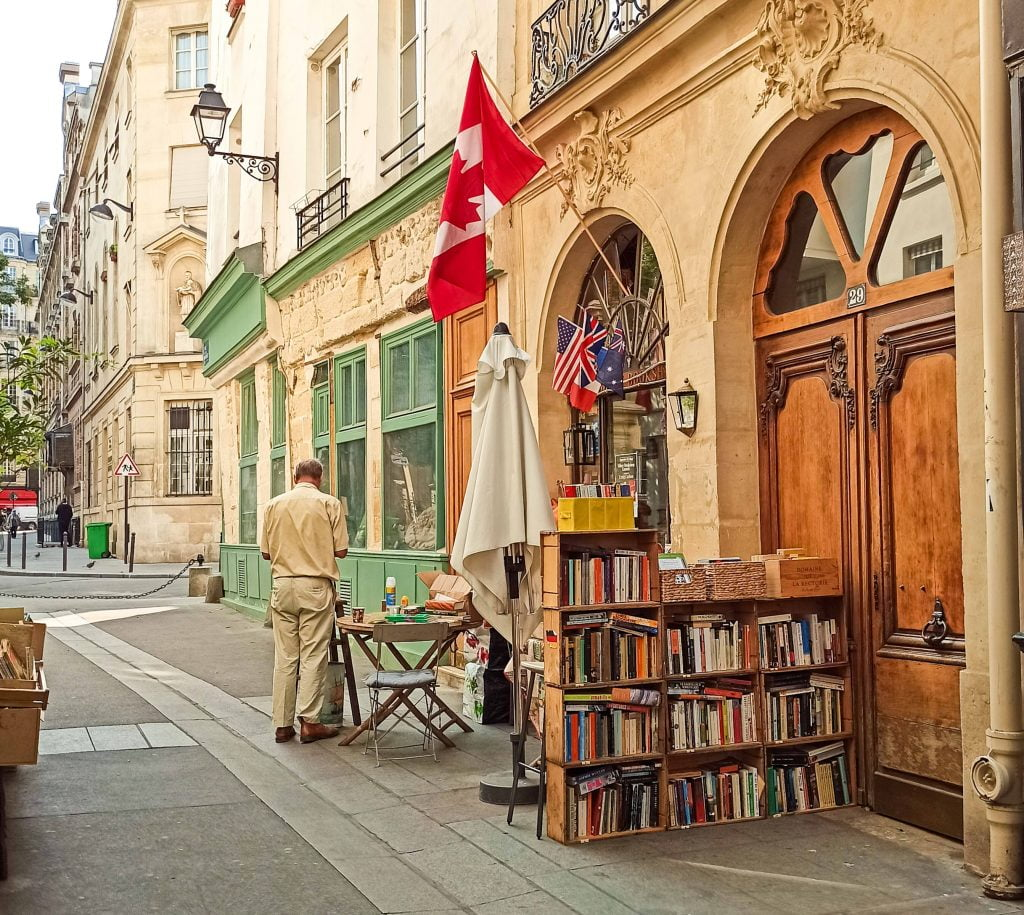 the abbey bookshop paris distrito V